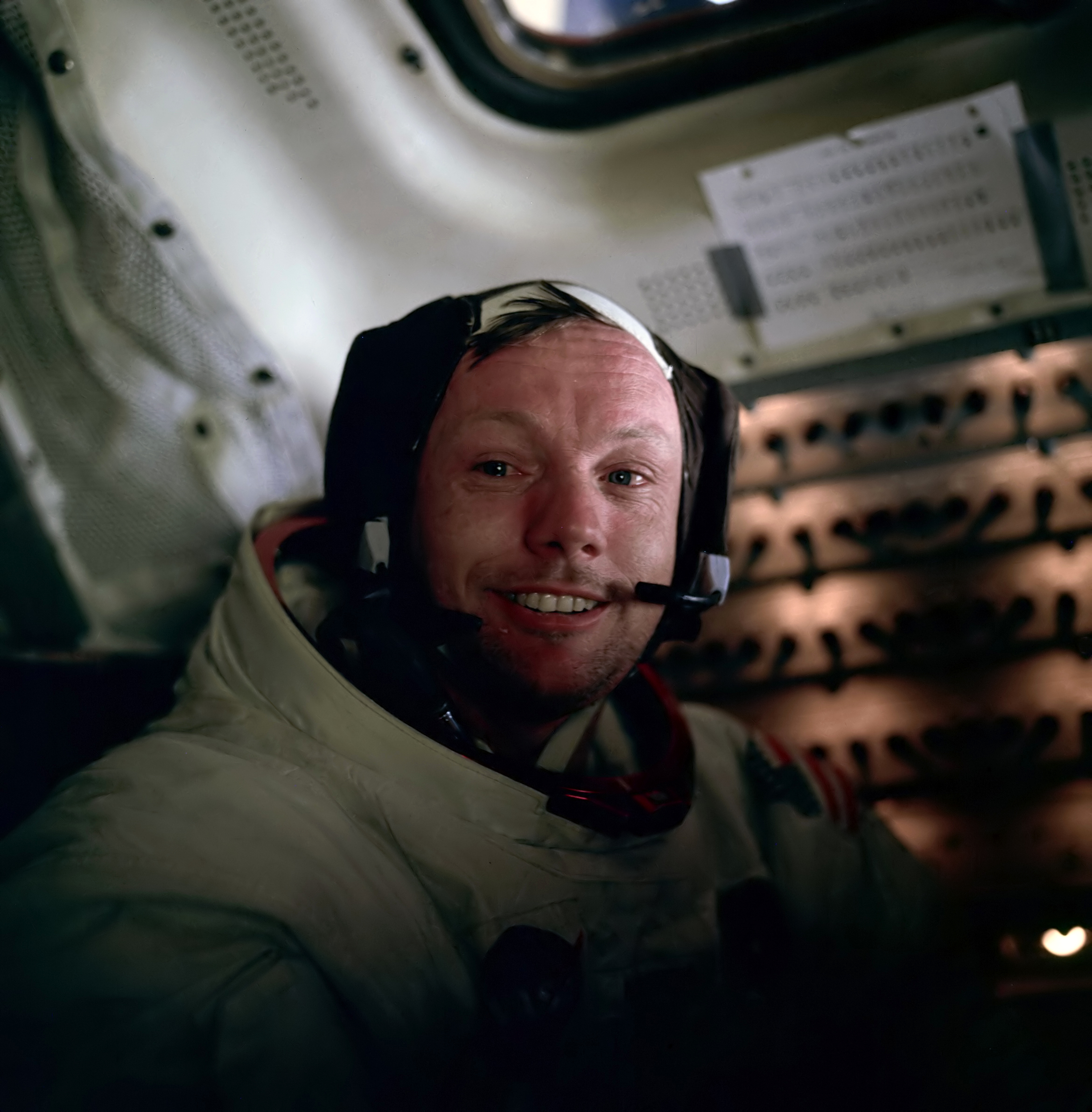 Neil_Armstrong-3