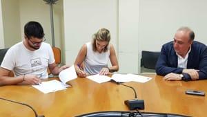 Un momento della firma dei contratti - 2.jpg-2