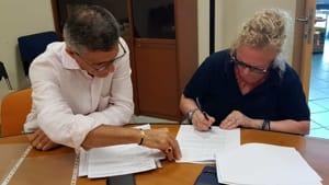 Un momento della firma dei contratti - 3-2