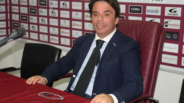 Allenamento all'alba per l'Arezzo, Capuano striglia la squadra. Feola out