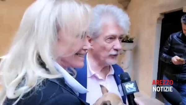 """Nozze di primavera, l'annuncio di Ghinelli e di Marjorie Layden: """"Ci sposeremo il 21 marzo. Poi un brindisi con gli aretini"""""""