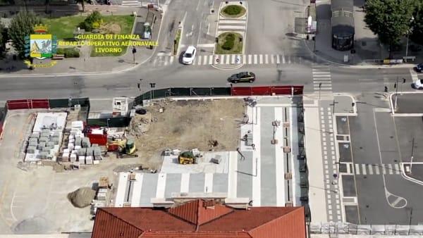 VIDEO | L'elicottero della guardia di finanza sopra Arezzo deserta