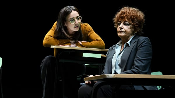 """Ambra Angiolini e Ludovica Modugno in scena al teatro Signorelli con """"Il nodo"""""""
