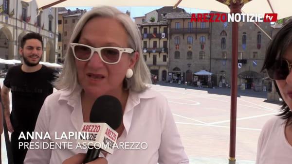 Una notte in 'total white' e poi shopping sotto le stelle: la calda estate di Arezzo