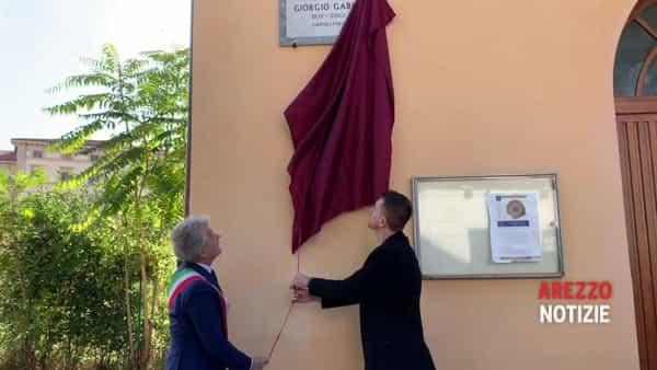 """Arezzo ha la sua piazzetta Giorgio Gaber, Scanzi: """"Credo sia uno dei giorni più belli della mia vita"""""""
