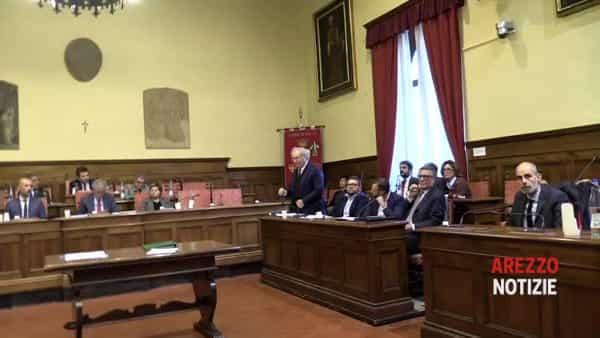 """Consiglio comunale, l'opposizione esce dall'aula prima che parli Merelli, Ralli: """"Non ci sono le condizioni"""""""
