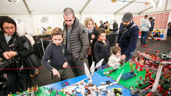 Villaggio Lego, arriva Christmas Brick Art al Prato