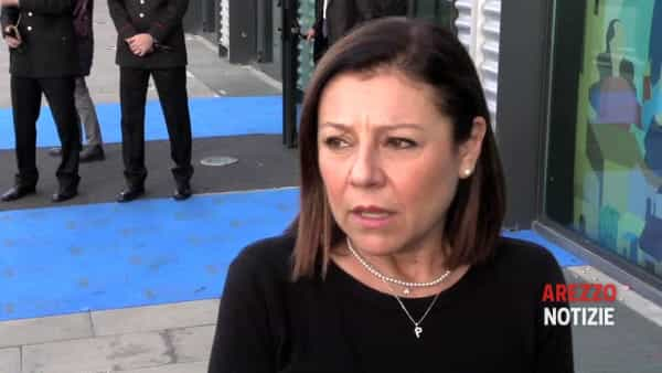 """""""Due Mari, il futuro di Alitalia e il conta cantieri"""", la ministra De Micheli all'assemblea di Anci e l'incontro con Ceccarelli"""
