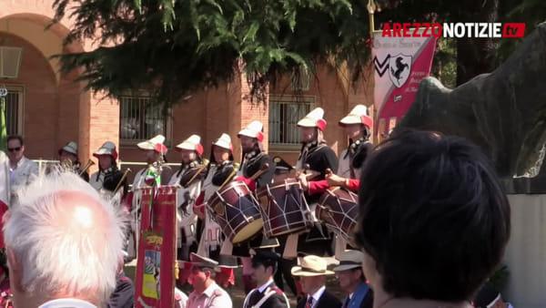 Arezzo e la liberazione. Cerimonia al cimitero del Commonwealth e picchetto al Poggio del Sole