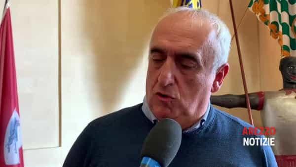 """Vertenza Comune di Arezzo, Csa: """"Avanti a oltranza, nessun contatto con la giunta."""" Carte in mano ai legali"""