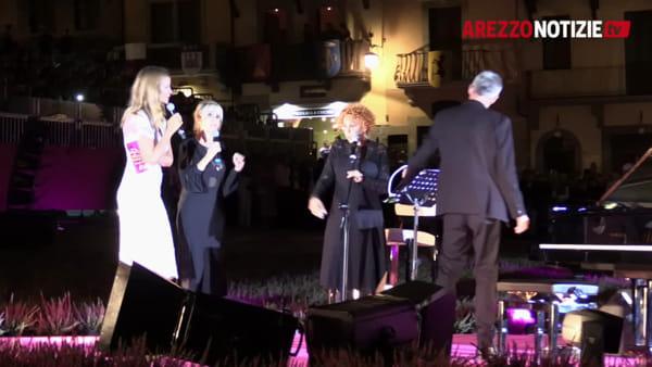 Quattromila per Ornella Vanoni e le 12 top che hanno vinto il cancro: cronaca di una #Pinkheart night