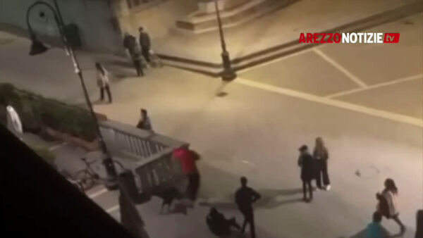 VIDEO | Rissa in piazza Sant'Agostino. La scena immortalata dai residenti
