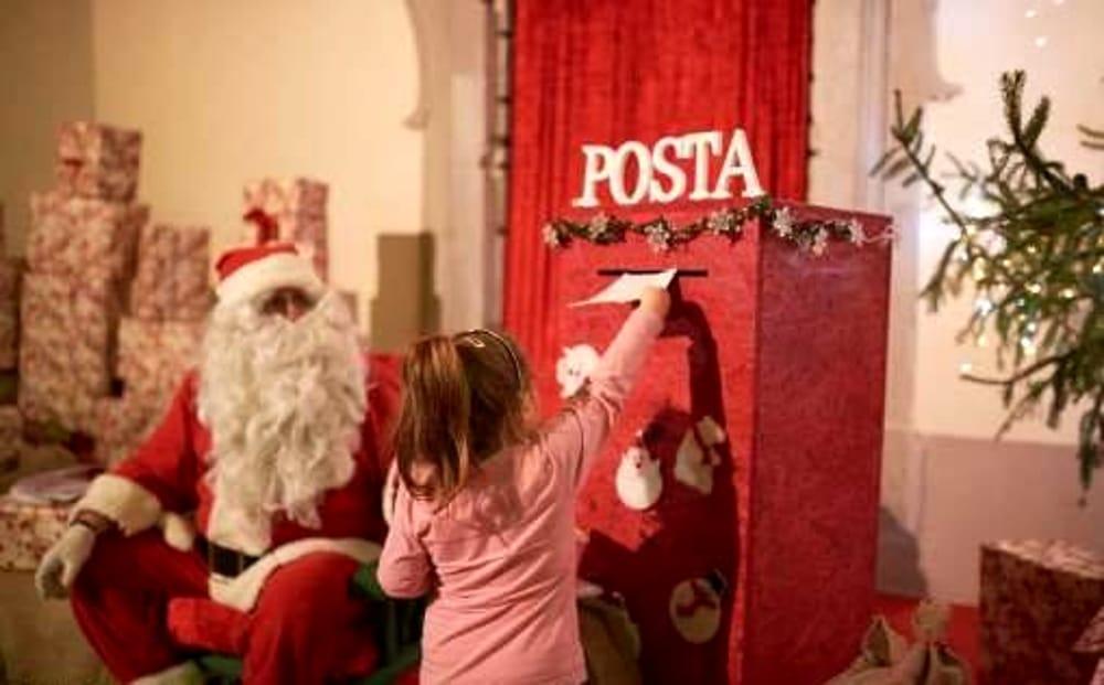 La Foto Di Babbo Natale.La Casa Di Babbo Natale Eventi A Arezzo