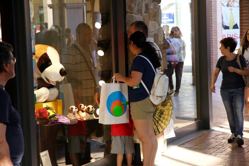 Saldi Valdichiana Outlet Village: tanti turisti nel primo week end