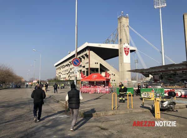 MonzaArezzo2020_stadio_esterno-2