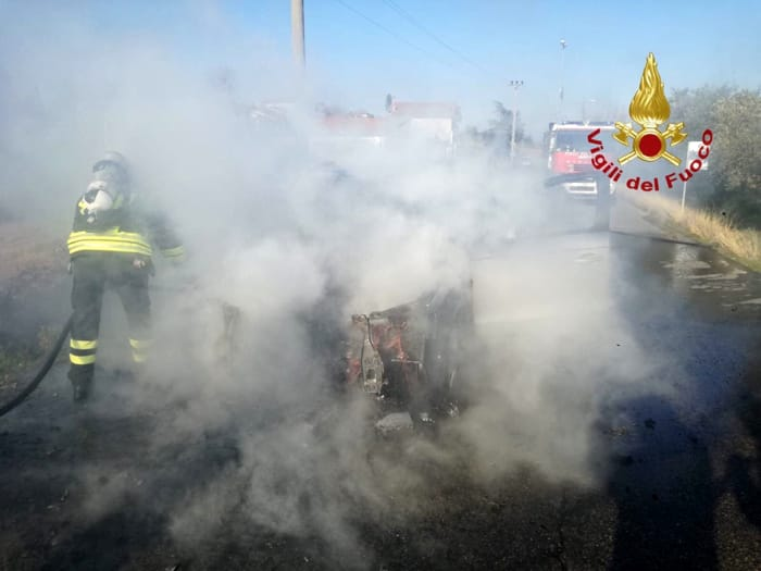 incendio-auto-badicorte5